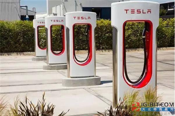充电桩1年只能用4个月 车主称将放弃特斯拉品牌!