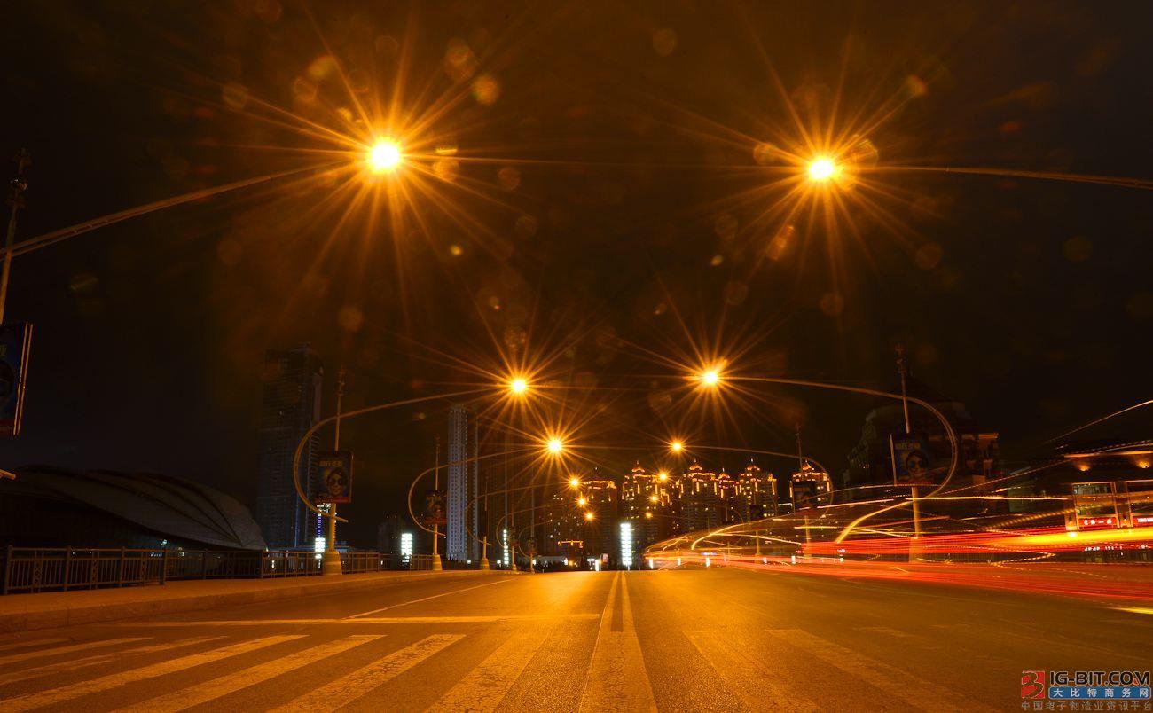 西班牙群岛上6000盏路灯要安装特殊光板