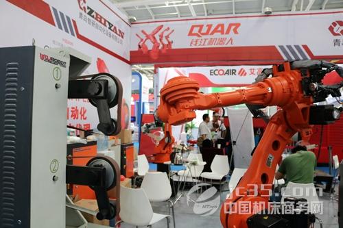 2022年中国机器人市场规模将占据全球总量三分之一