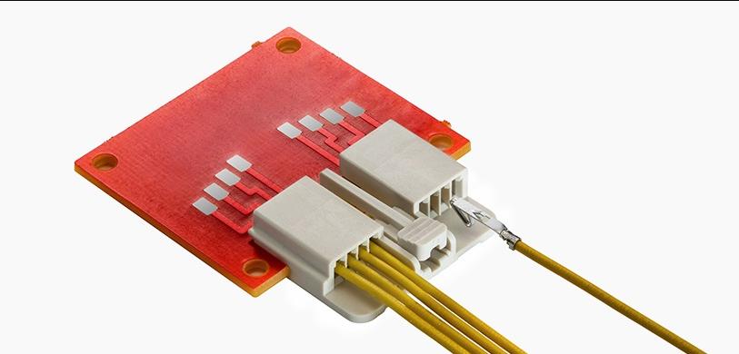 EdgeLock 线对信号卡连接器,提供出色的信号完整性