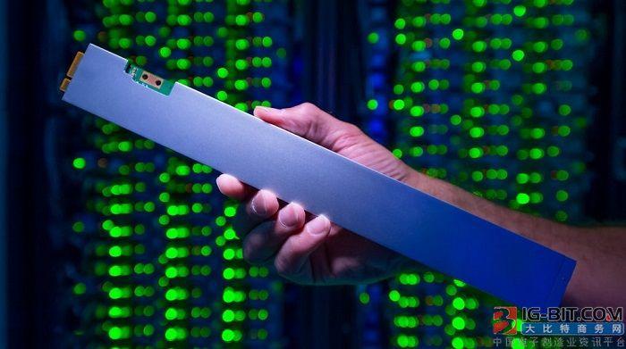 英特尔发布P4500数据中心SSD