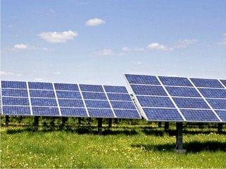 """新能源产业:光伏风电""""冰火两重天"""""""