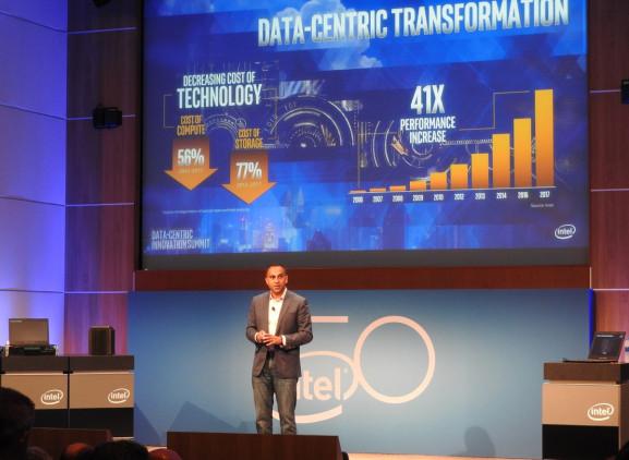 PC销售停滞,英特尔去年公司AI芯片却卖了10亿美元