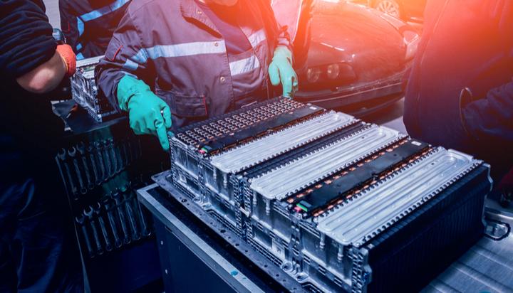 新型液体电池系统可在数秒内实现电动汽车充电