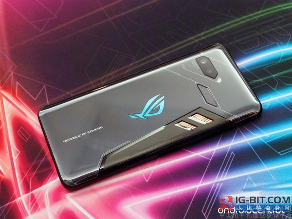 华硕ROG Phone入网:2.96GHz骁龙845/90Hz屏