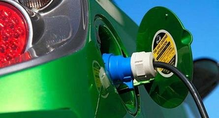 多项政策酝酿出台 新能源汽车再迎利好