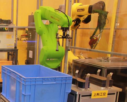 智能工厂升级后 如何延长工业机器人寿命?