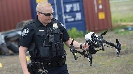 交通执法、家庭监控?无人机新玩法解锁一下
