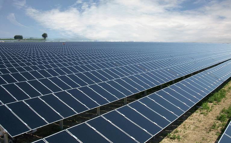 二季度印度新增太阳能发电容量降幅超五成