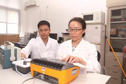 复旦亮出新型体外自动除颤器核心技术