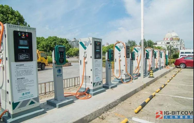 成都要求新能源汽车及充电设施接入监管平台