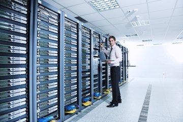 伊顿储能技术助力数据中心实现电力削峰填谷