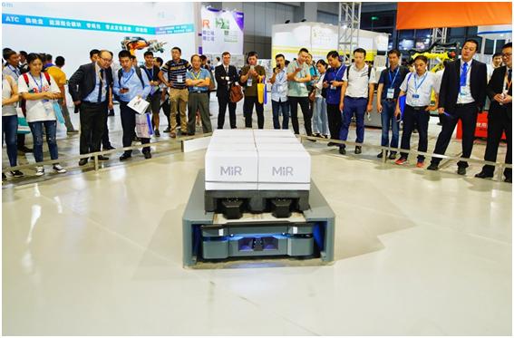 MiR500移动机器人首次亮相中国国际工业博览会