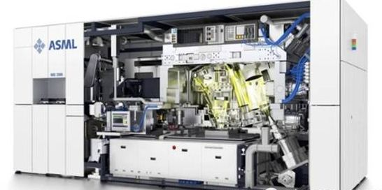 ASML of photoetching machine overlord