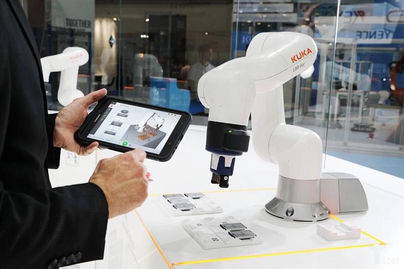 工博会看新趋势:机器人走向轻量化 自动化行业偏爱系统解决方案