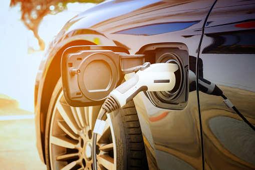 至2025年全球将新增350多万个电动汽车充电点