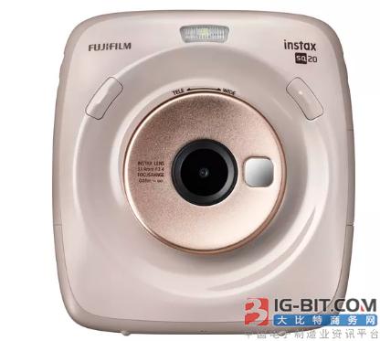 富士通的最新的混合即时相机可以录制视频