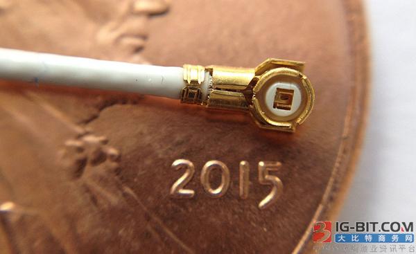 小型射频和同轴电缆的自动化处理