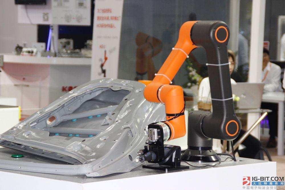 韩华协作机器人亮相,引爆众人眼球