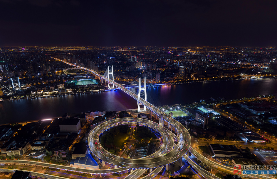 昕诺飞智能照明解决方案,为城市交通脉络注入新活力