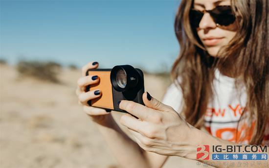 Moment专门为智能手机设计新长焦镜头