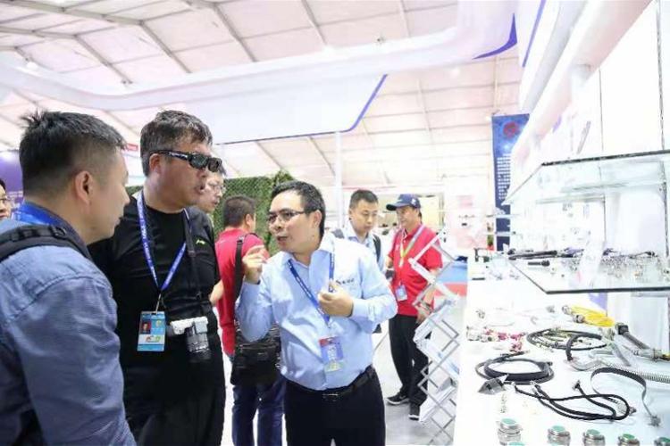 金信诺携军民融合创新成果亮相航展,研制5G天线配套产品受瞩目