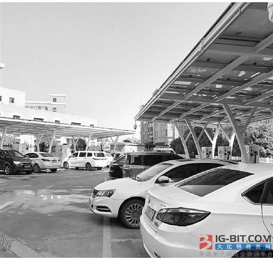 杭州三年建成4014个公用充电桩 电动汽车充电更方便