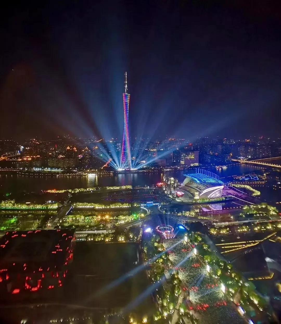 美爆了!2018广州国际灯光节闪耀夜空!