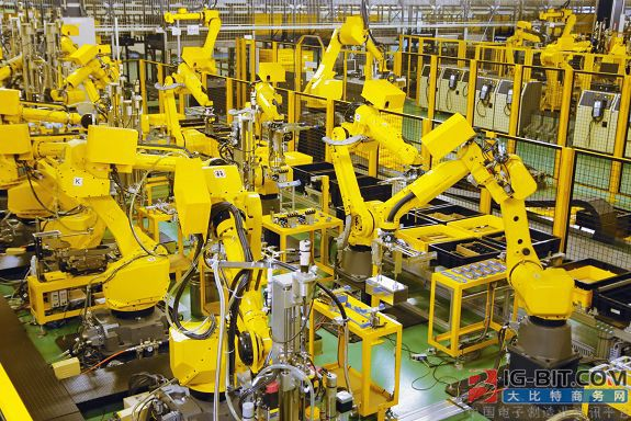 FANUC推出新机器人柔性伺服折弯系统 自动地板擦洗机器人正在进入沃尔玛