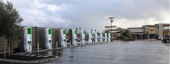 大众子公司美国电气已在加州安装首个350-kW电动汽车充电桩