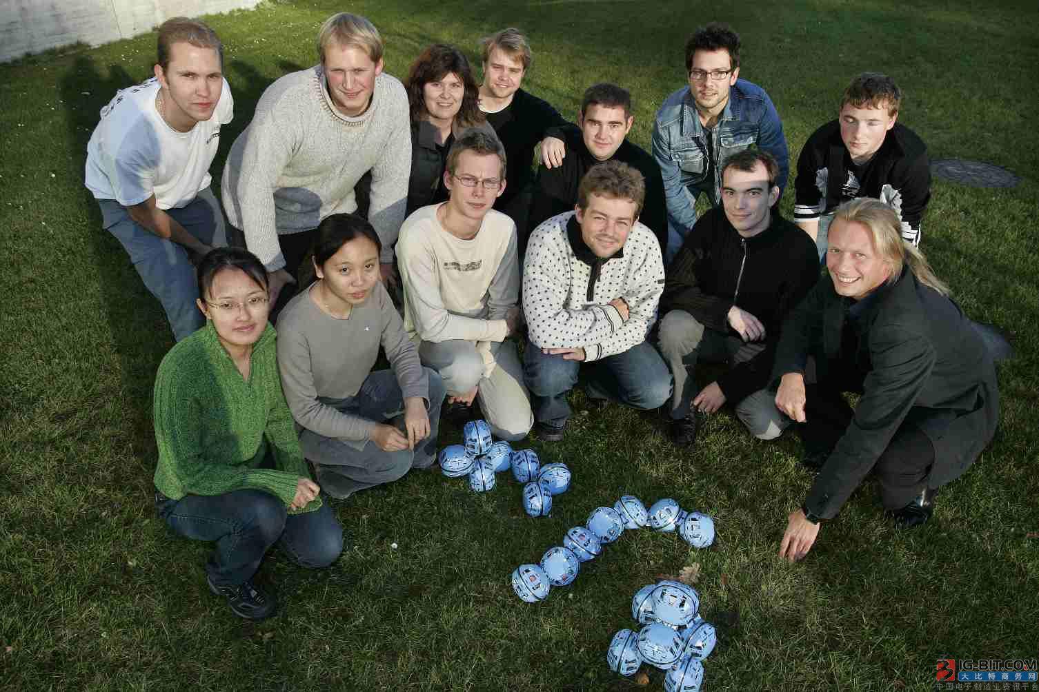 今天,全球首款协作机器人发售10年了!