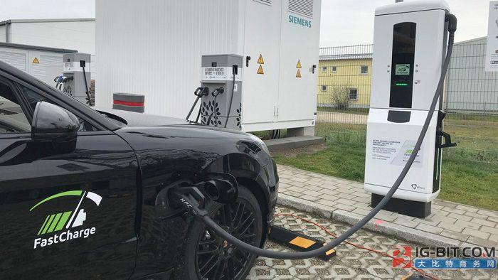 保时捷展示FastCharge超快速充电桩原型 最大功率450kW