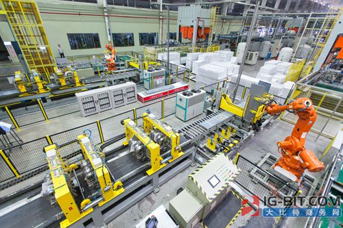 中国305个智能制造示范项目 生产效率平均提升37.6%