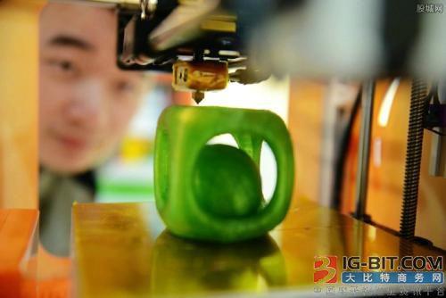 3D打印设备市场需求激增工业级3D打印机应用潜力巨大