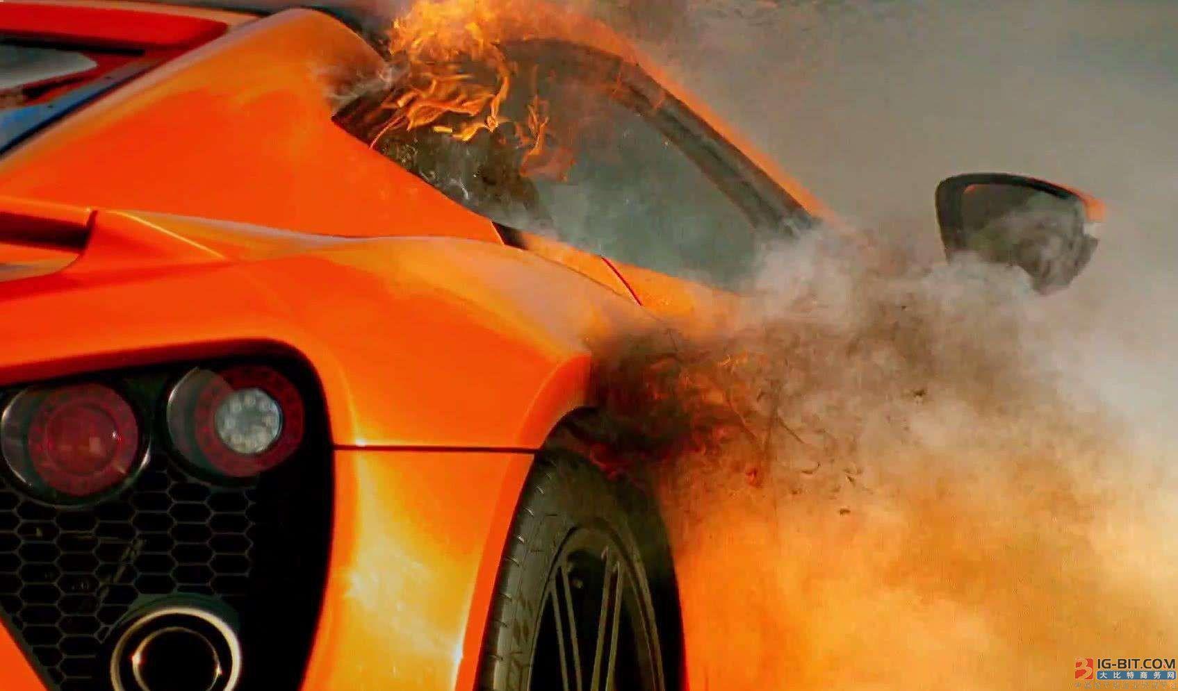 电动汽车起火燃烧