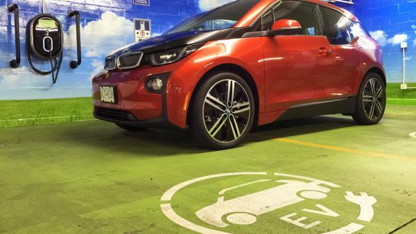 国产新能源车进阶道路曲折  连接器市场面临新挑战