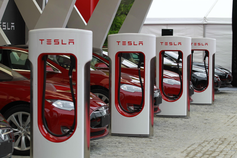 車企扎堆入駐充電樁行業  千億風口對電源、磁企開放
