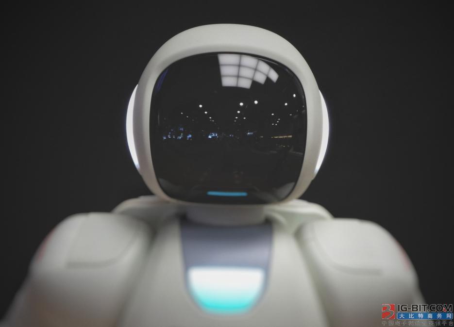 """服务机器人 究竟是不是""""刚需""""?"""