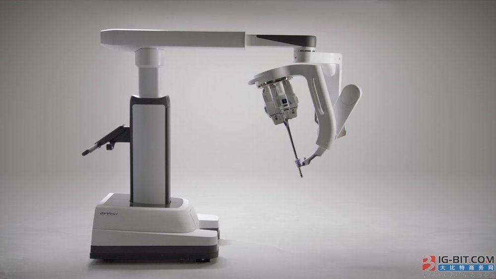 雷神山机器人上岗:功能强大,广泛应用或成难题