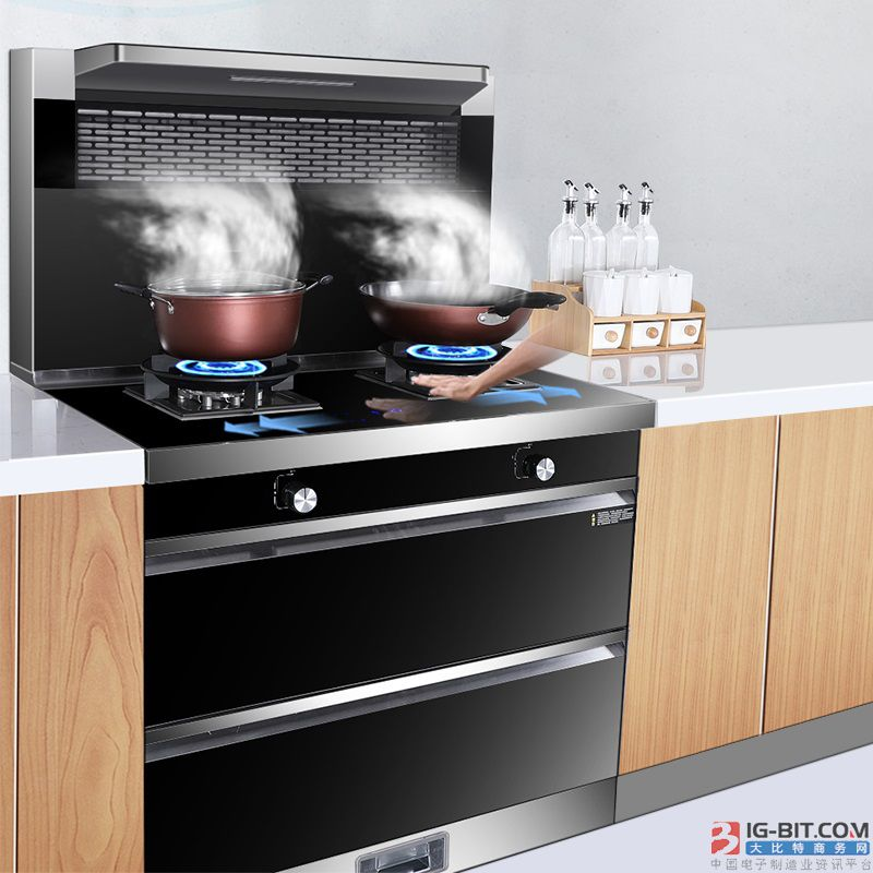 老厨房换新选集成灶还是油烟机?