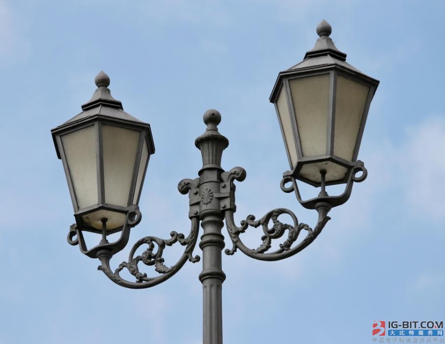 张掖市甘州区推进智慧城市路灯节能及智能化改造项目全面复工