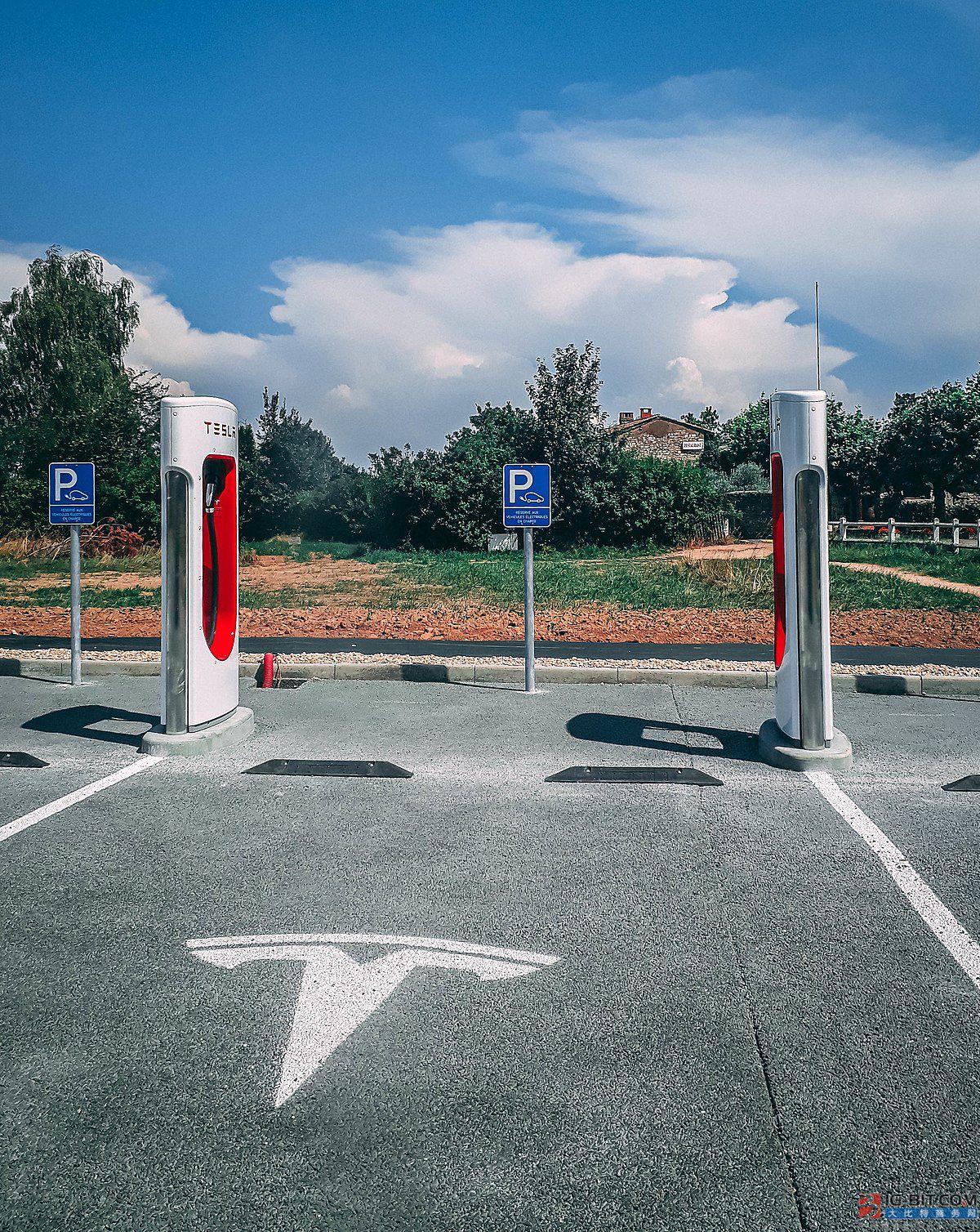 充电桩系列难题待解:盈利能力低 产业链中相对弱势