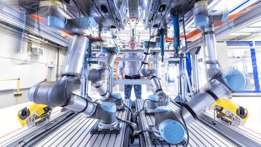 自动化流水线、机器人、工业互联网平台向多领域渗透-智能化应用全面开花
