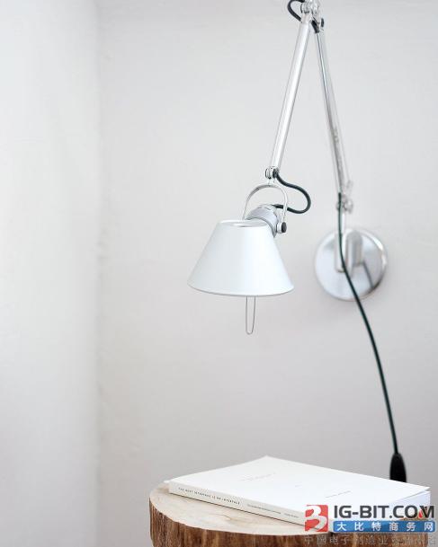 新型添加剂使钙钛矿LED更稳定高效
