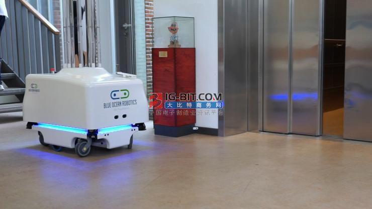 智能消毒机器人、手推车消毒机……黑科技护航机场战疫