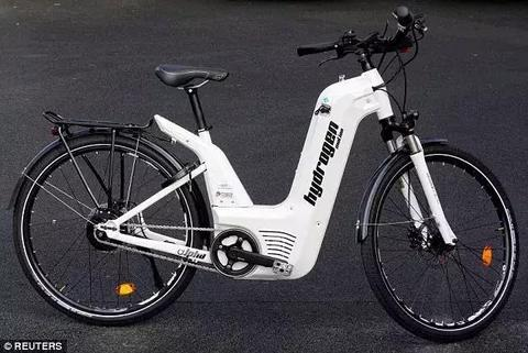 续航100公里的电动自行车来了,电动车面临被淘汰?