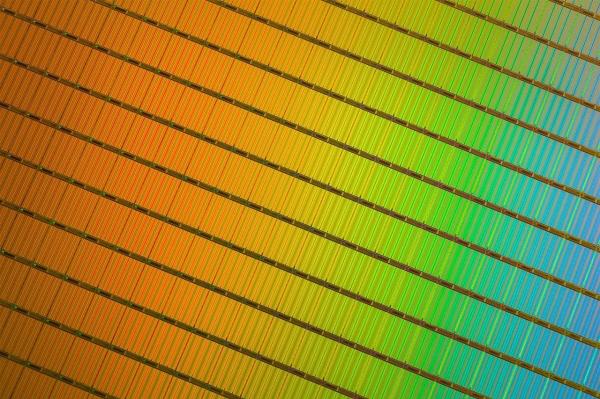 芯片制造商削减设备投资额,内存价格有望继续走高
