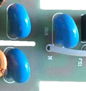 三颗松田压敏电阻(型号:10D561K)