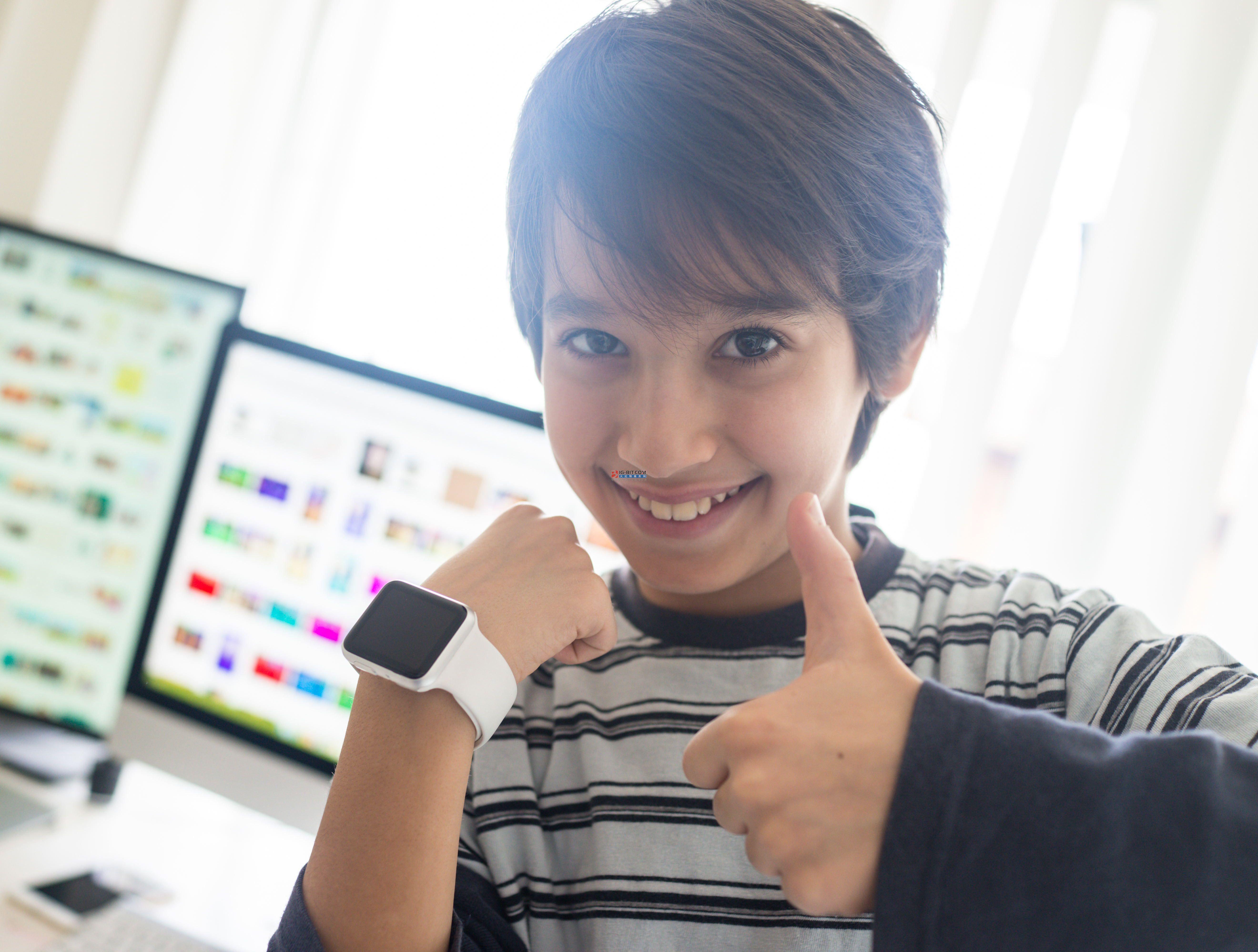 武装到手指!苹果又获一项伸缩戒指专利:可控制多种设备!