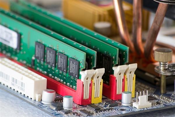李在镕不顾疫情今天造访西安芯片厂:三星80亿美元扩建压制国产内存